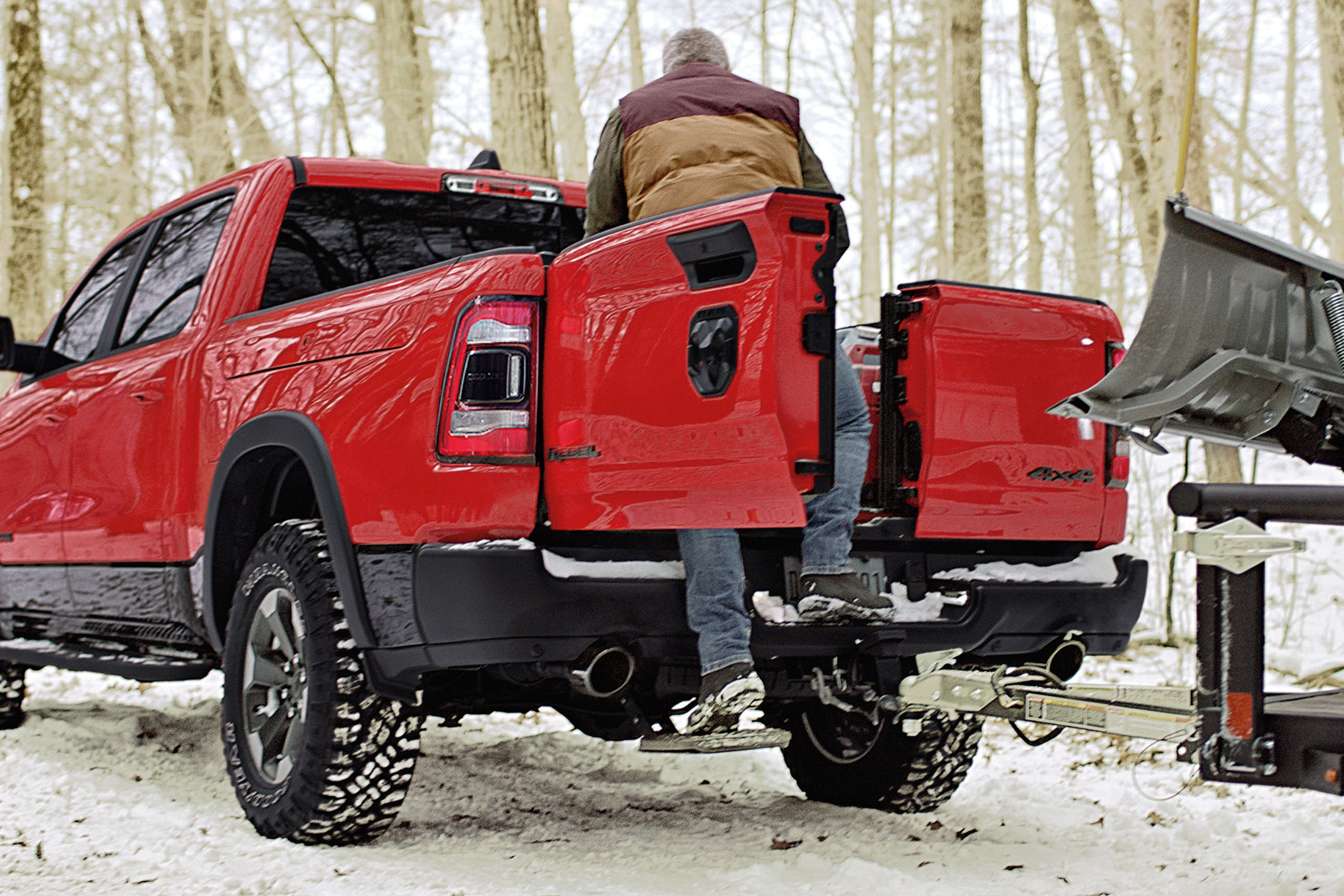 Dodge Ram Trucks >> The Tailgate War Heats Up 2019 Ram Multifunction Tailgate Gearjunkie