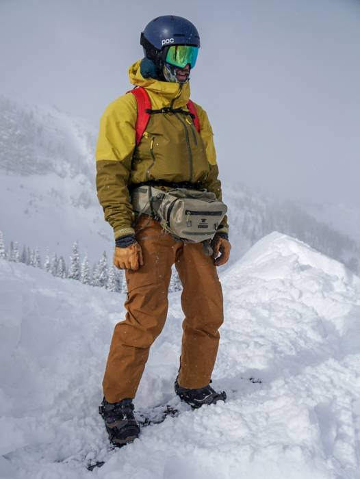 how to carry a camera while skiing: Mountainsmith Dry Tour
