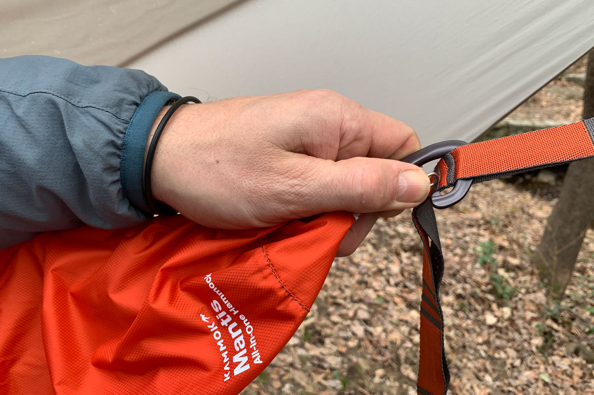 Kammock Mantis all-in-one hammock system carabiner attachment