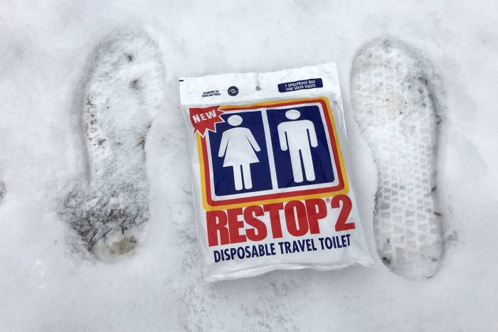 poop-in-snow