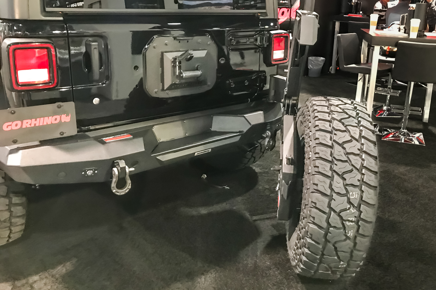 gorhino trailline rear bumper and tire carrier  when you lift a jeep