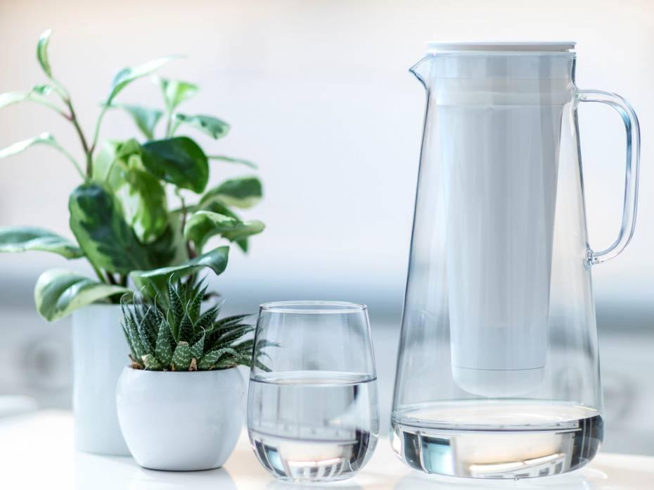 LifeStraw home glass pitcher