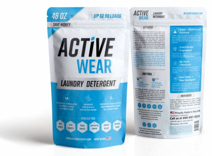 Natural laundry detergent for technical apparel