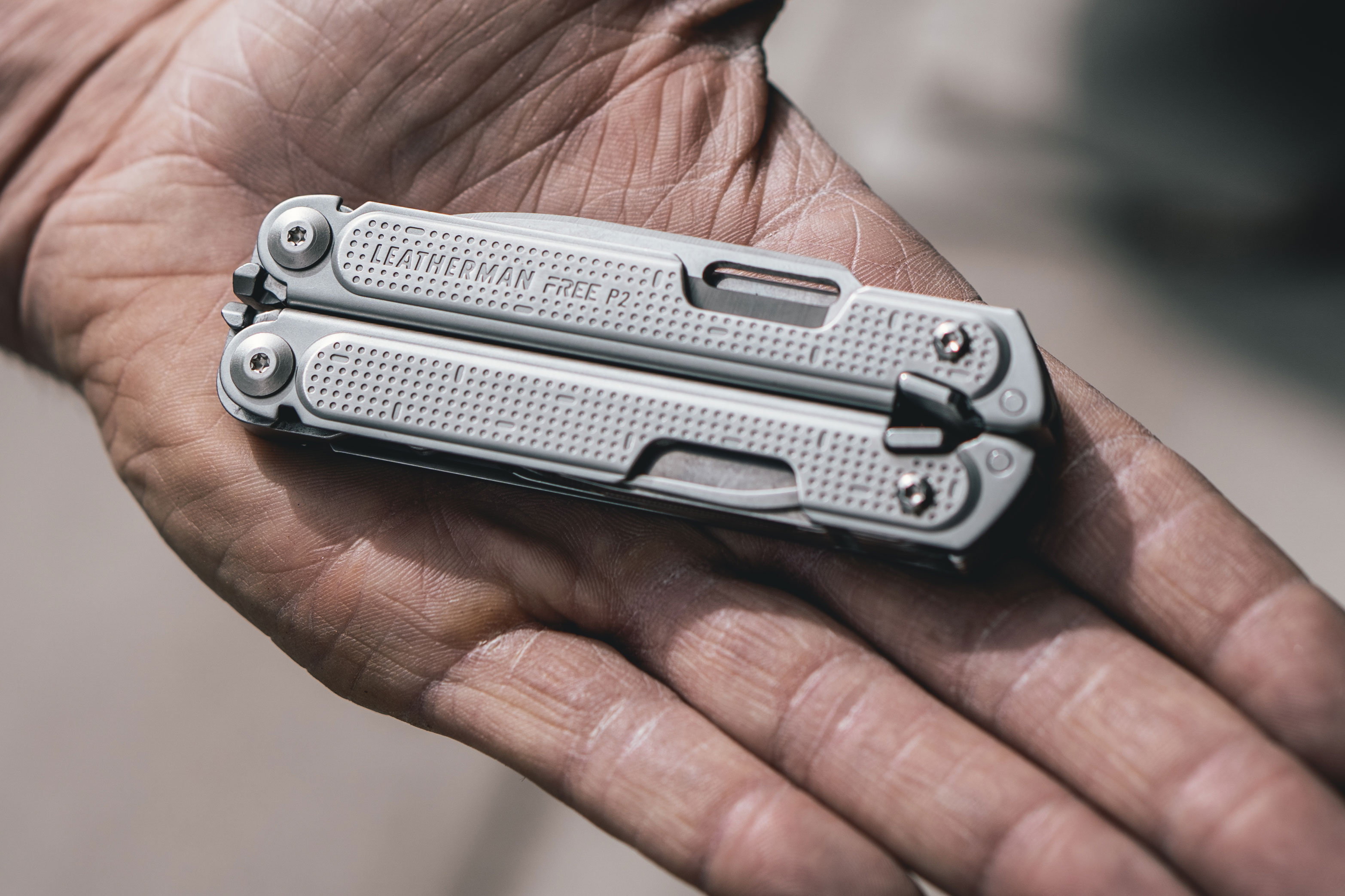 Leatherman Free closed in hand