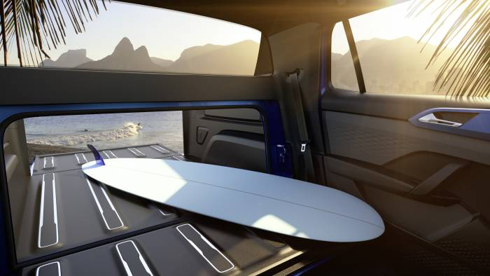 Volkswagen Tarok pickup concept storage, truck bed with surfboard