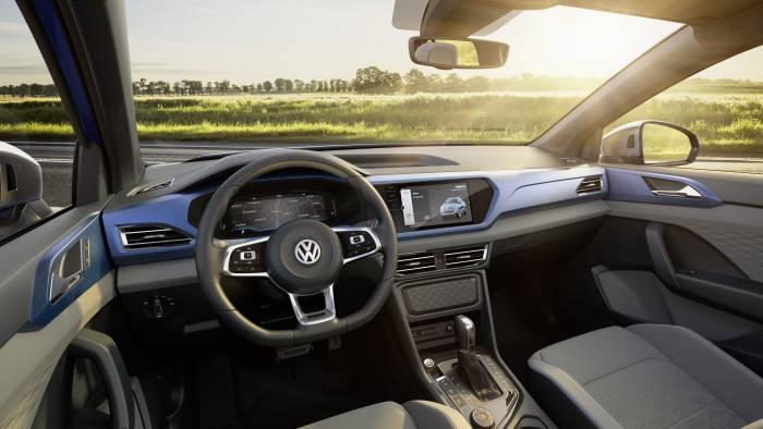 Volkswagen Tarok pickup truck concept interior
