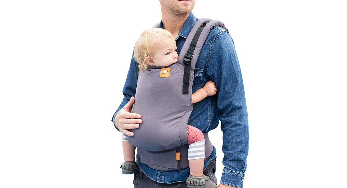 b0fa94539b0 This pack really grows with your child. It works from newborn to 3 years  old (or 45 pounds) and is very intuitive to use. The waistband buckle is  off to the ...