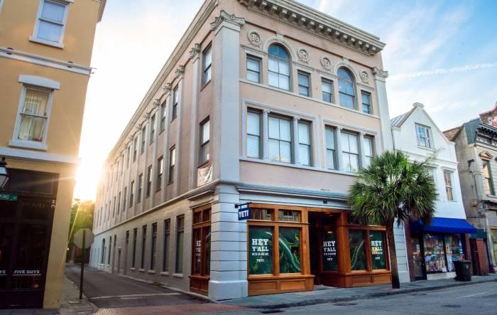 Charleston-store-yeti