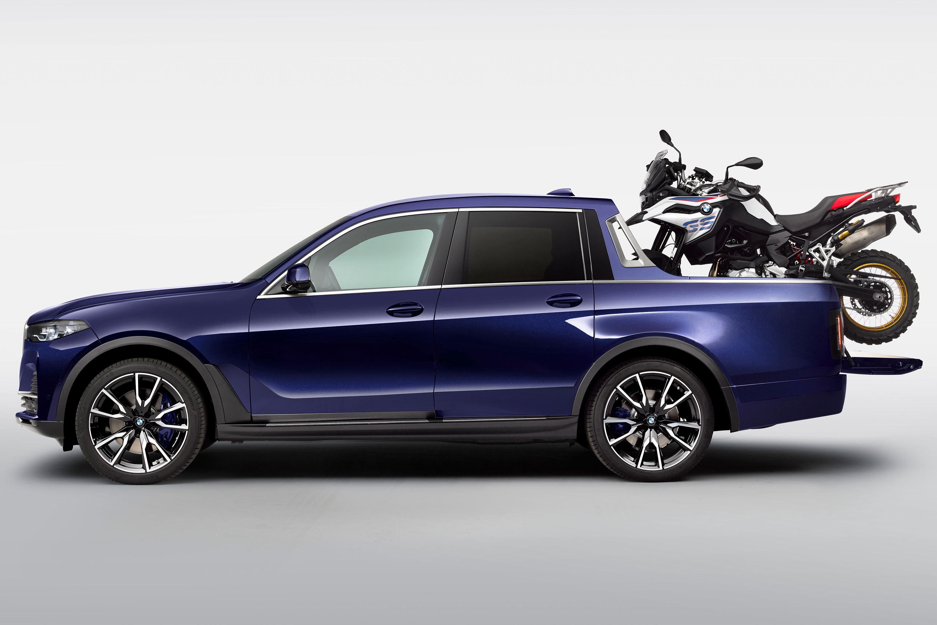 the bmw x7 pickup truck is real and it looks like a yacht. Black Bedroom Furniture Sets. Home Design Ideas