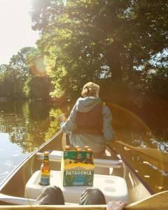 Cerveza Patagonia beer canoeing