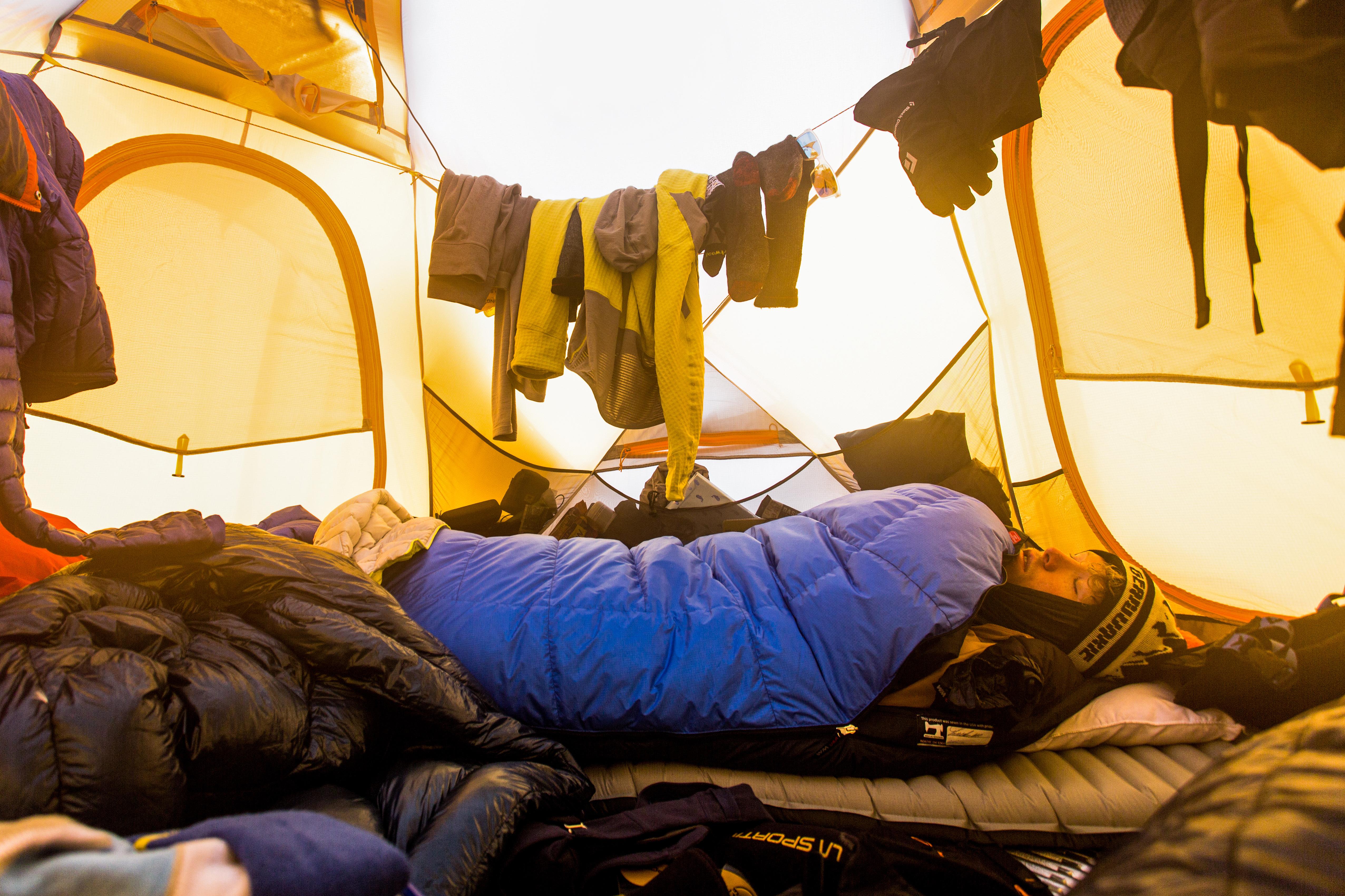 Western Mountaineering Puma Gore Sleeping Bag Review: Cold-Weather Killer | GearJunkie
