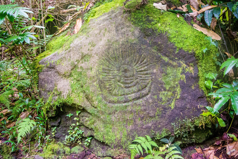 Turtle petroglyph Tahiti