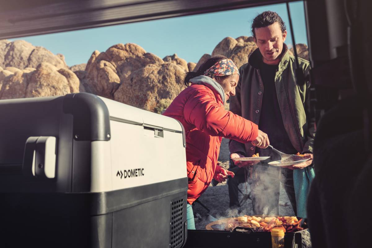 Cooking-bbq-CFX-cooler-DometicGlobalWebImage25002500