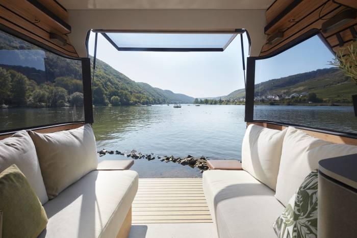 Hymer_Concept_Car_VisionVenture_interior_view_2_c_Hymer_GmbH_und_CoKG1