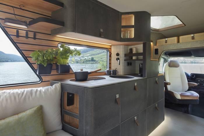 Hymer_Concept_Car_VisionVenture_interior_view_4_c_Hymer_GmbH_und_CoKG