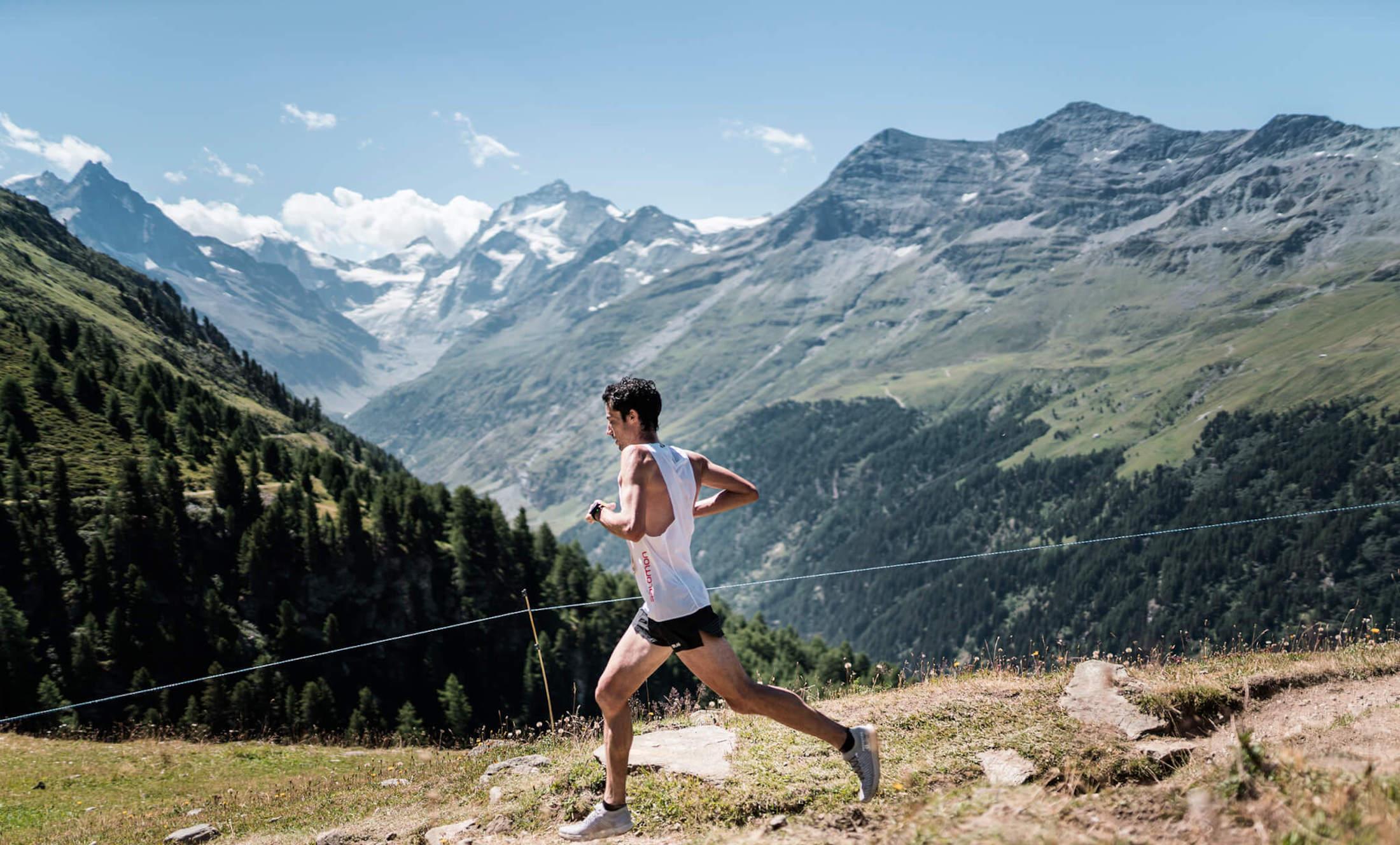 Kilian Jornet running in the Golden Trail World Series