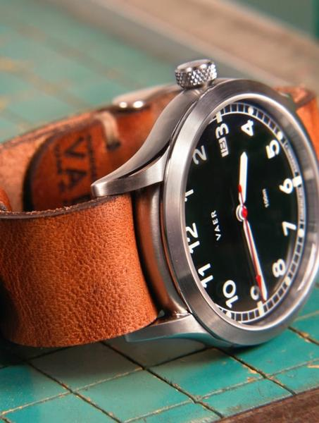 Heritage-Dark-Vaer-Horween-Single-Pass-Detail-1_grande