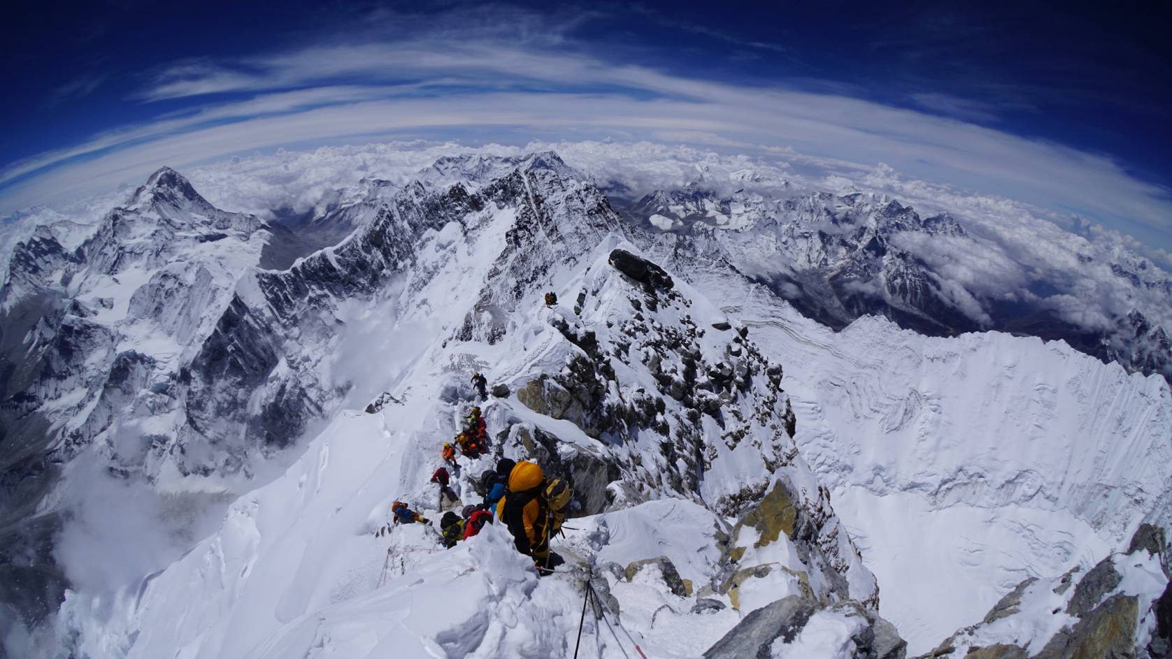 climbers on Everest in 2016
