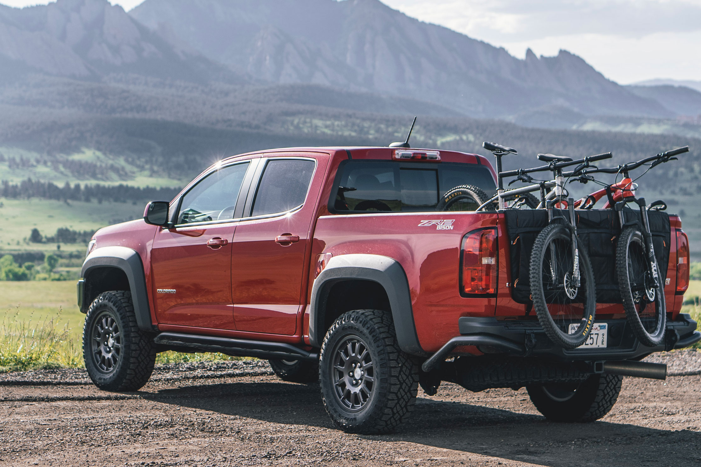 RMU Tailgate Locker Review: MTB & Gear Hauler on the Go | GearJunkie