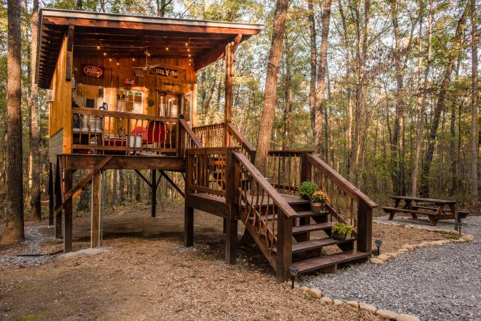 Glamping at Deer Camp Tennessee