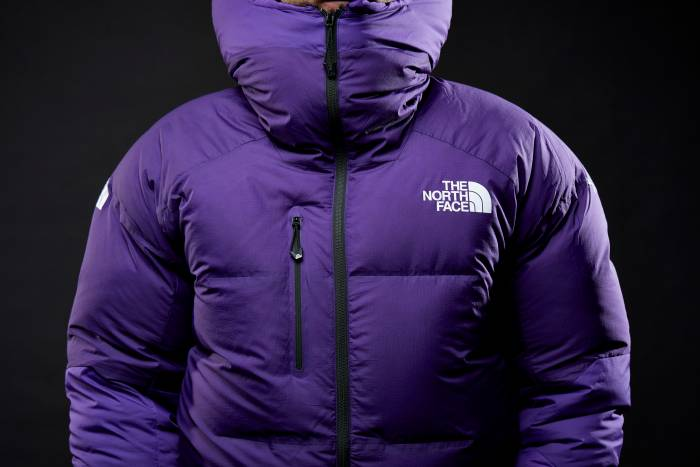 TNF_Summit AMK L6 Parka_Close Up