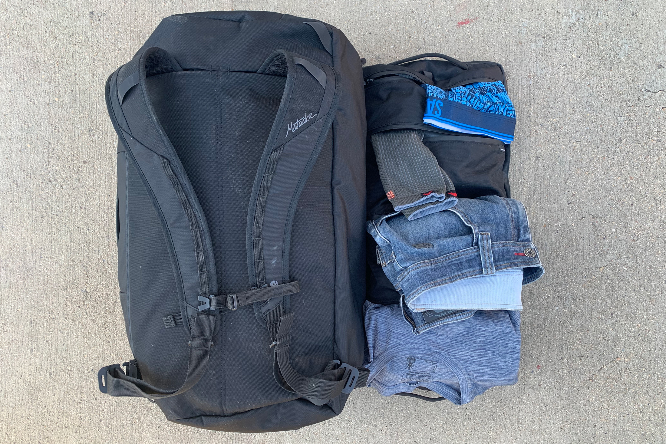 Matador Seg42 travel pack open pockets