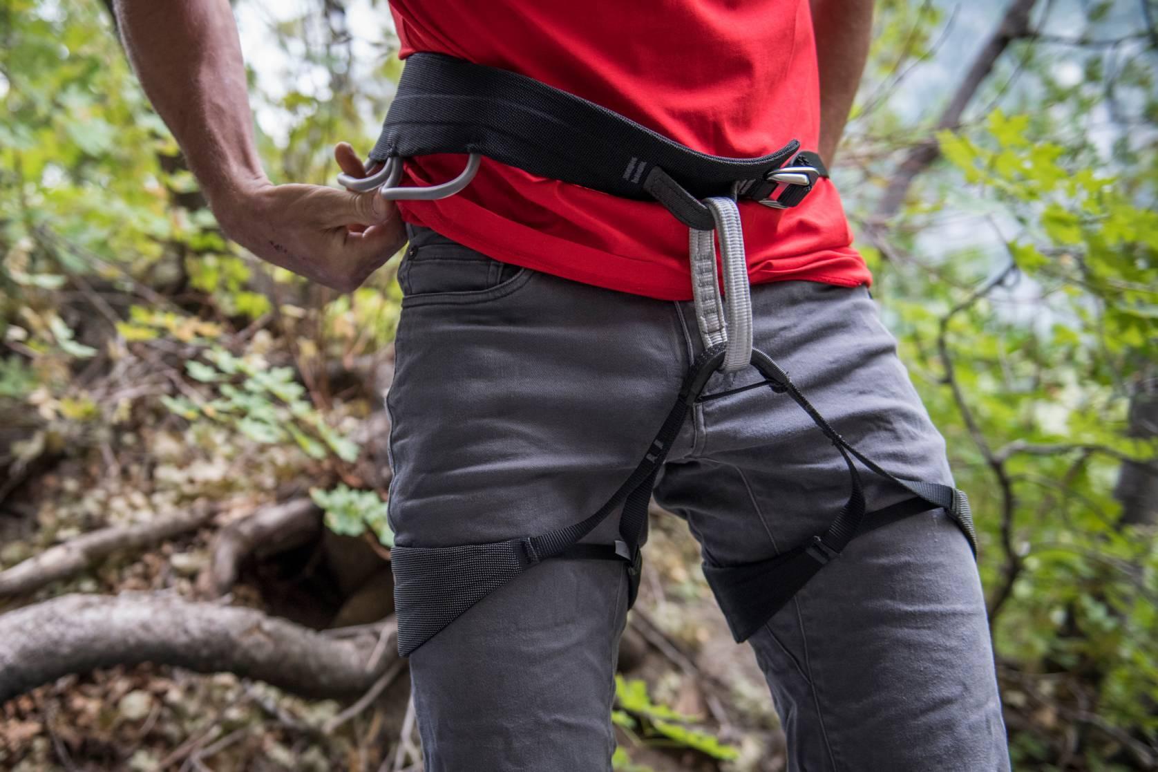 Black Diamond Solution Guide trad climbing harness