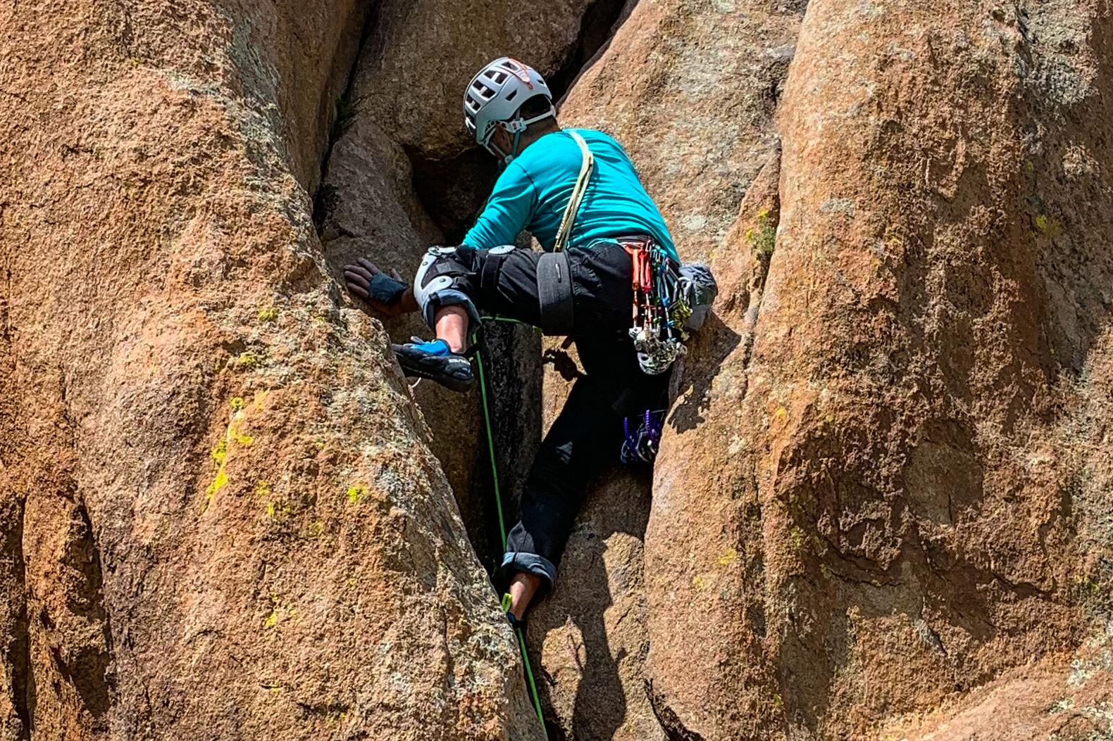 crack climbing trad climbing