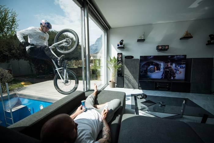 Trials Cyclist Gets Mindblowingly Creative Under Quarantine: Watch