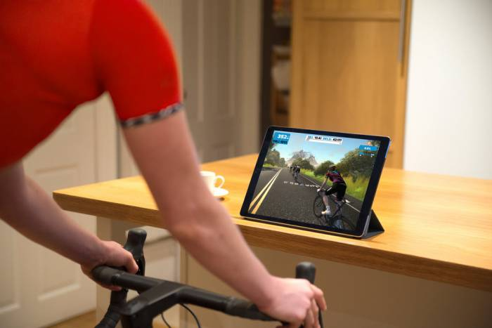 zwift-photo-cycling trainer
