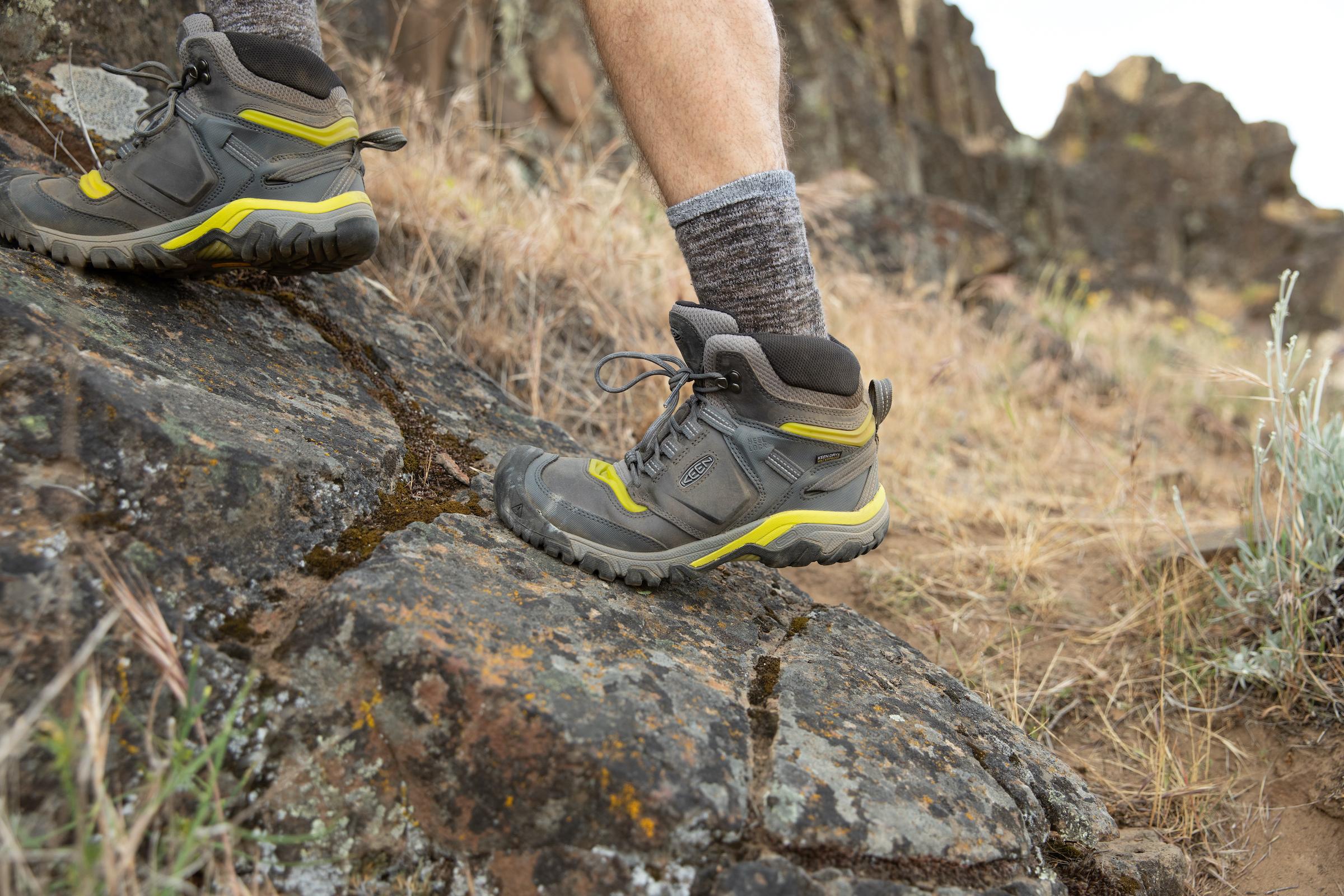 KEEN Ridge Flex hiking boots