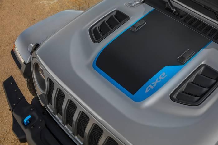 2021 Jeep Wrangler Rubicon 4xe hood