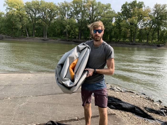 La moitié du poids, deux fois plus le plaisir: examen du kayak tandem Aquaglide Deschutes 145