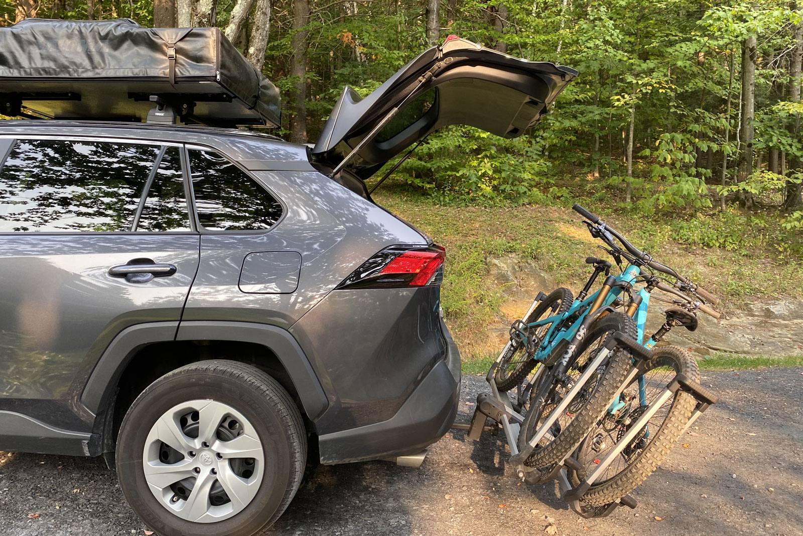 Thule Helium Platform bikes lowered