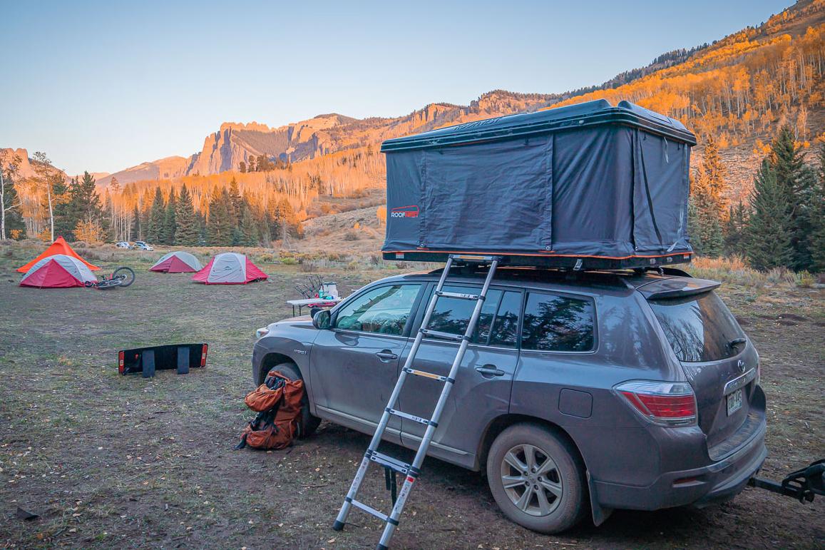 Dispersed camping roof-top tent Subaru