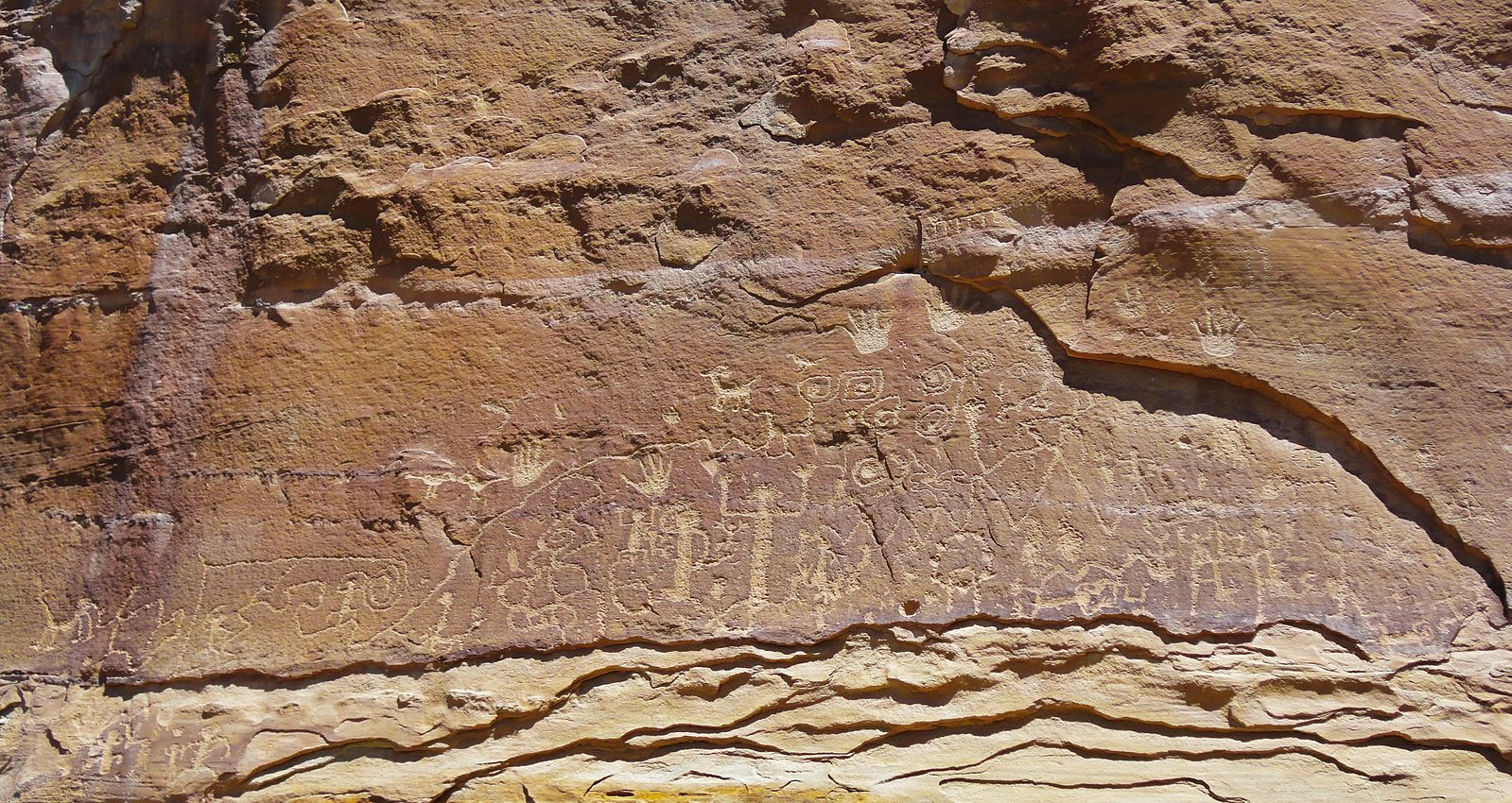 Petroglyph_Point_at_Mesa_Verde_National_Park_by_RO