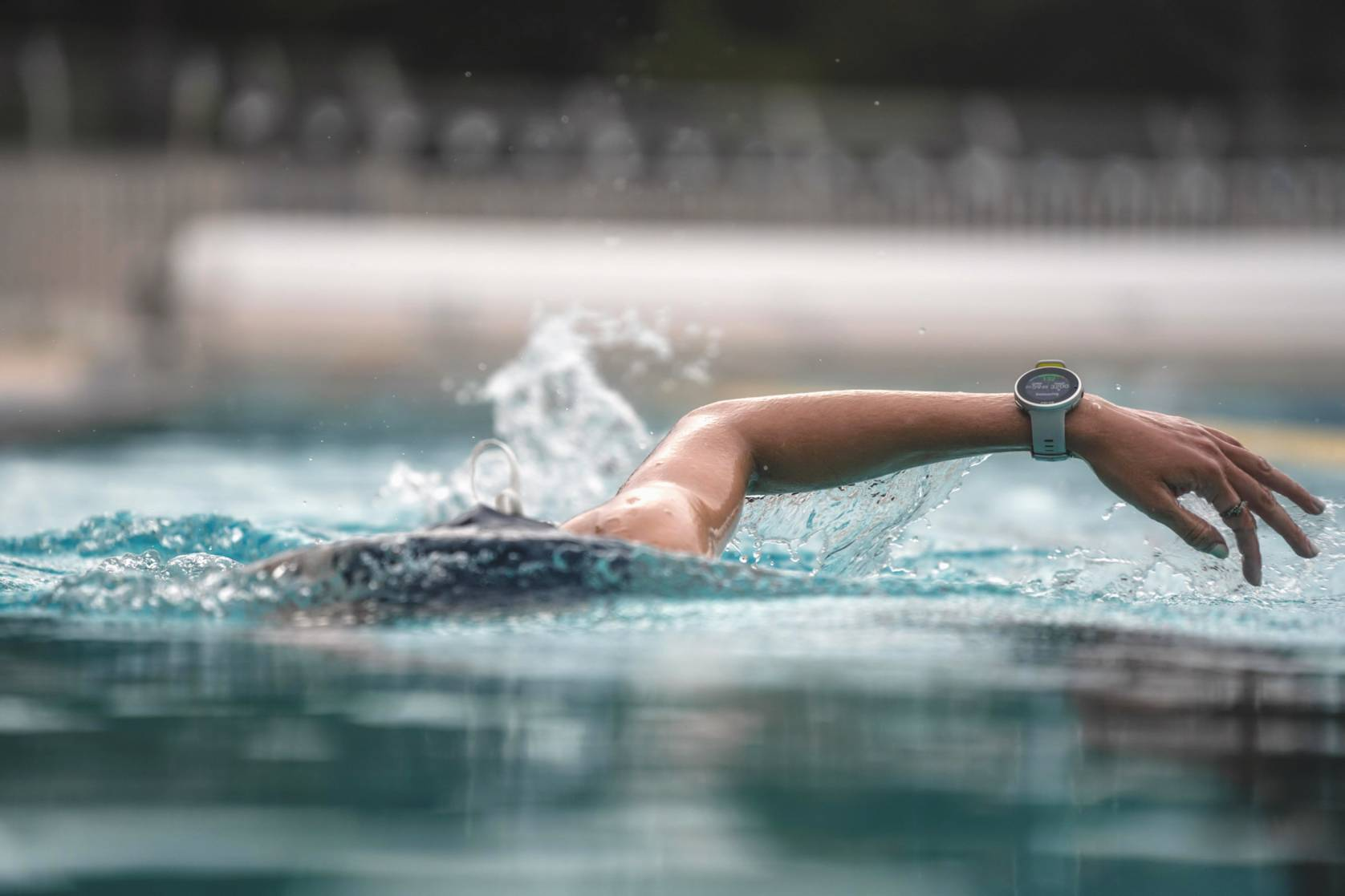 Swimmer training with smart watch