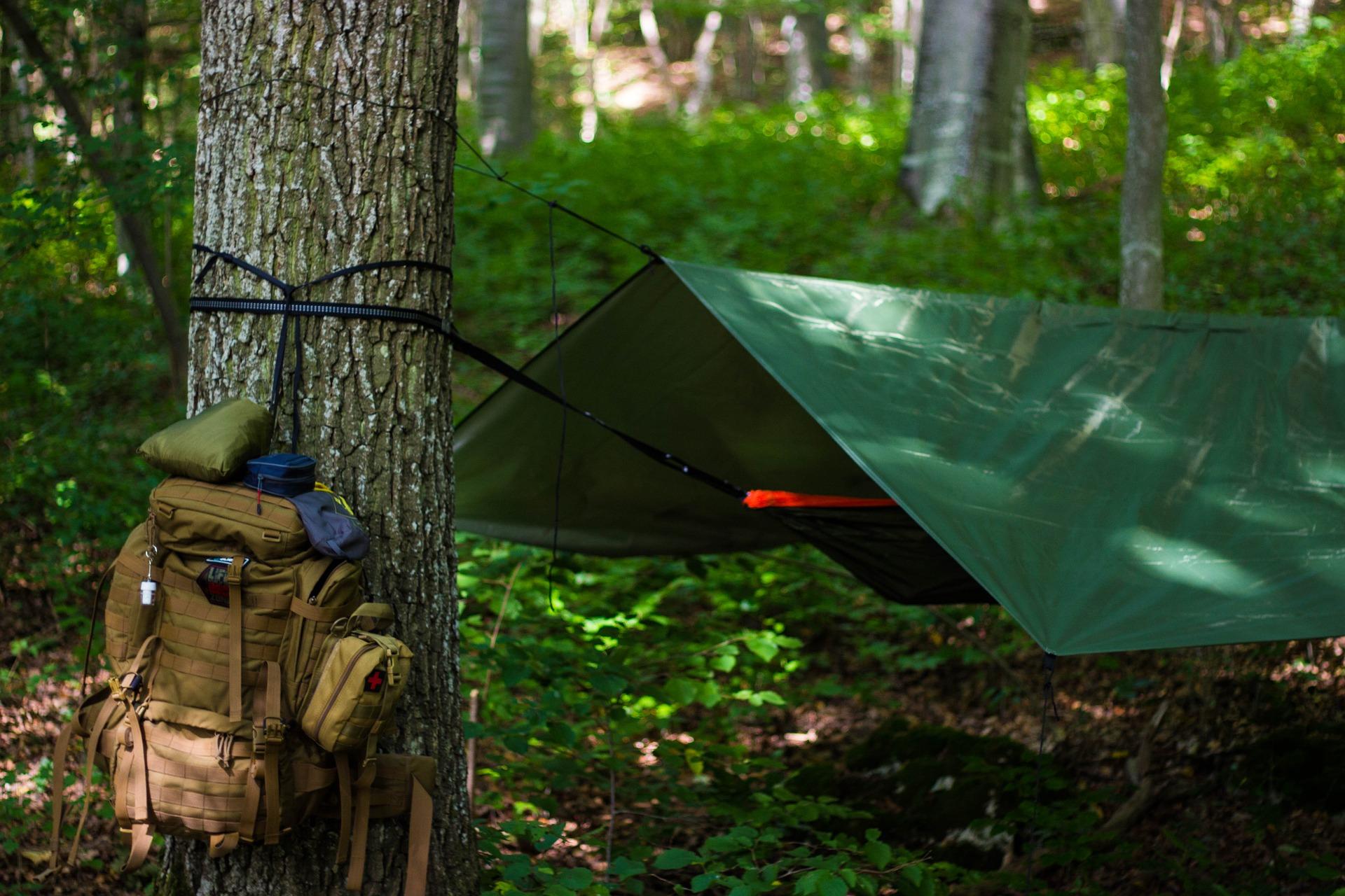 outdoor hammock camping