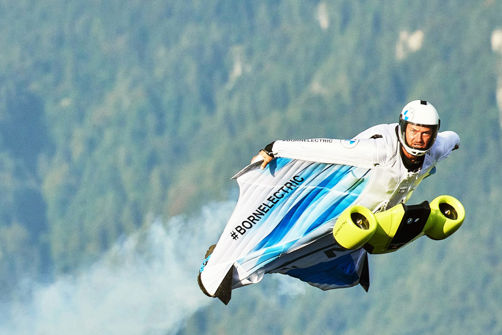 BMW electric wingsuit Stefan Salzmann