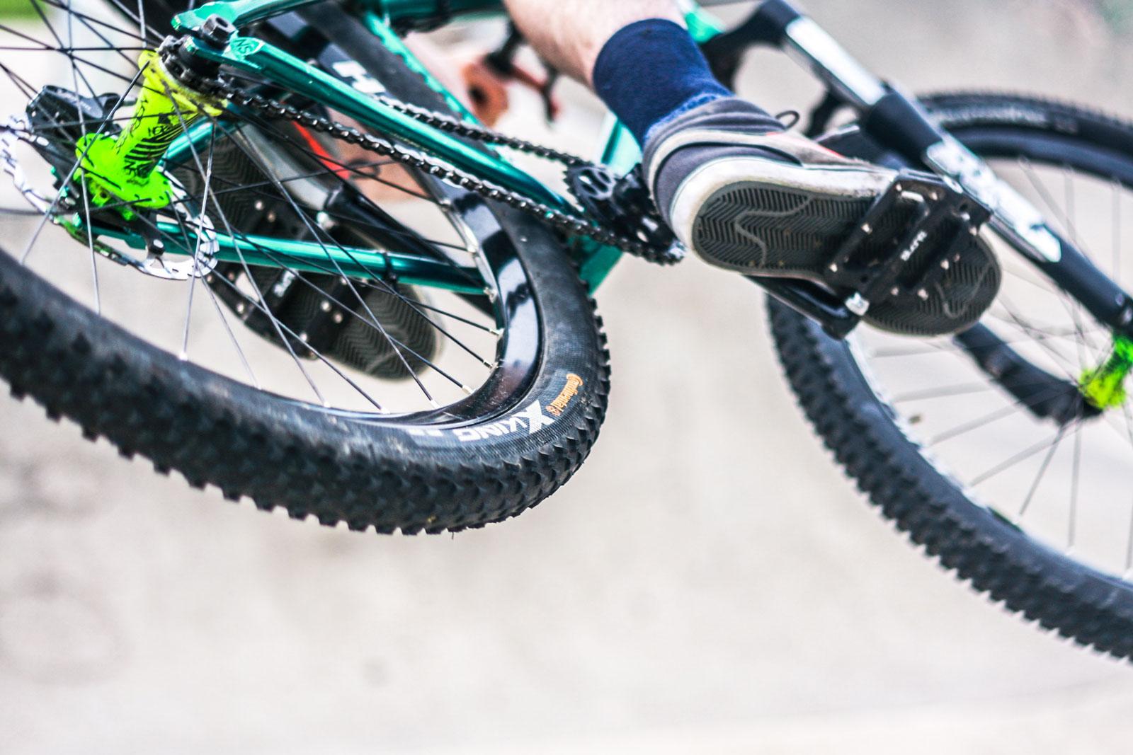 mtb flat pedals