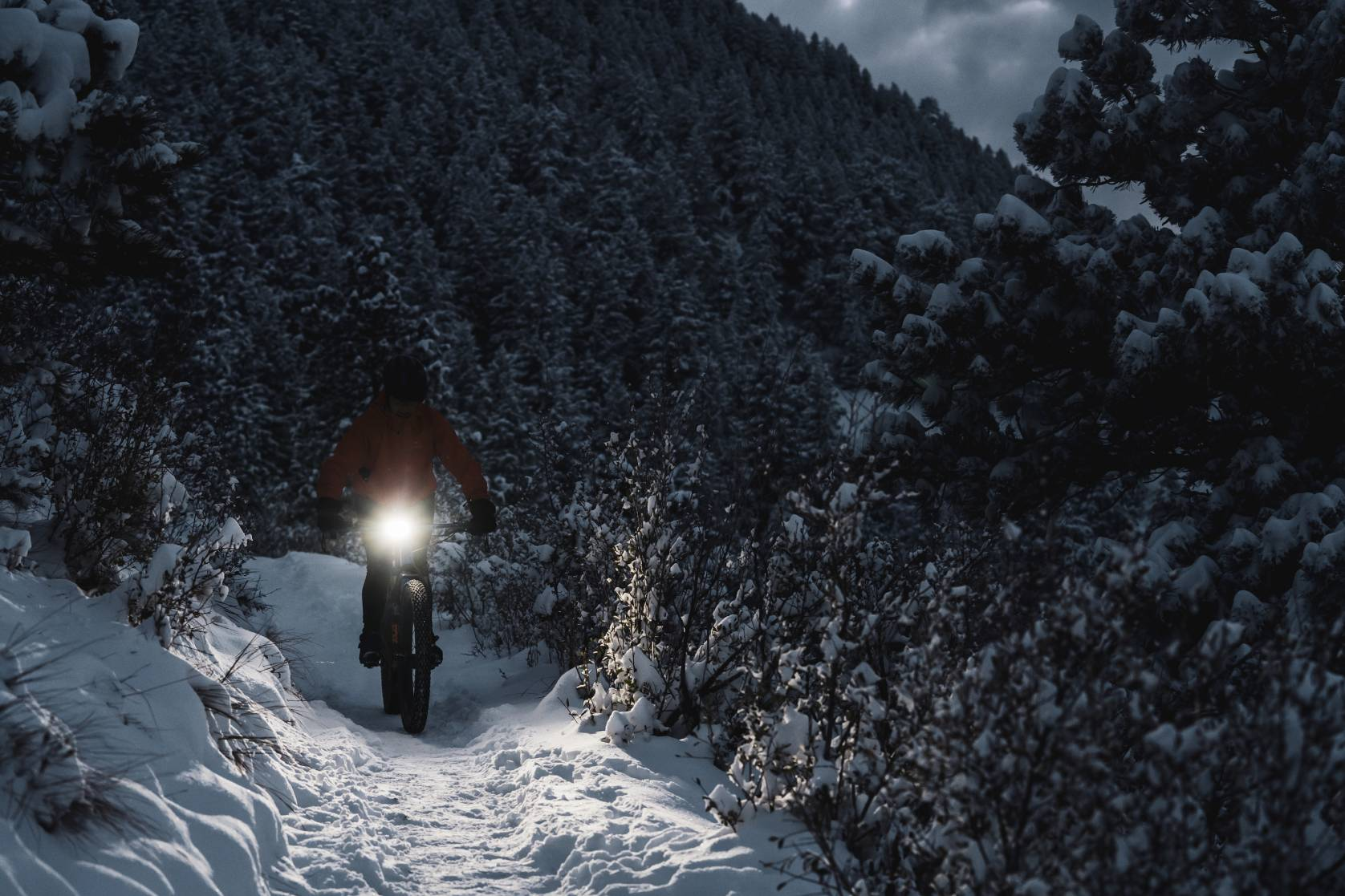Best Mountain Bike Lights - photo credit Outbound Lighting