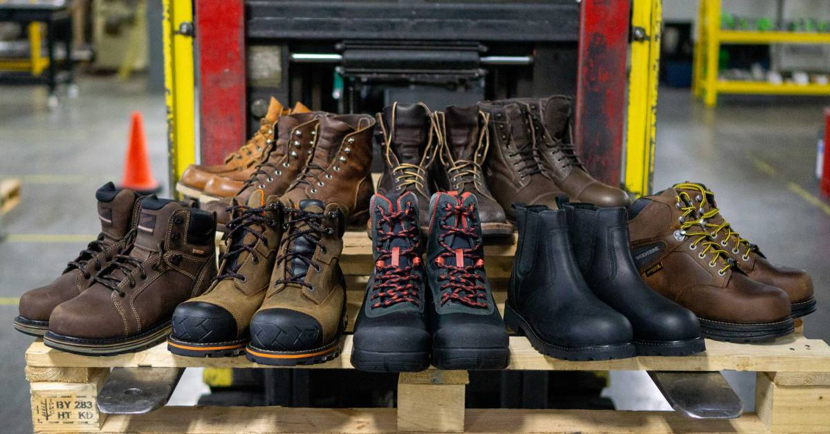 Mens Safety Work Shoes Steel Toe Boots Outdoor Hiker Light Construction Sneakers
