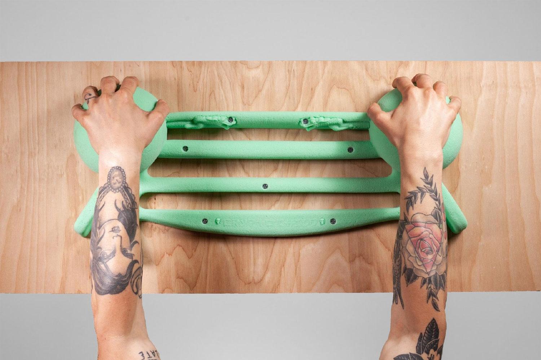 two hand grip hangboard