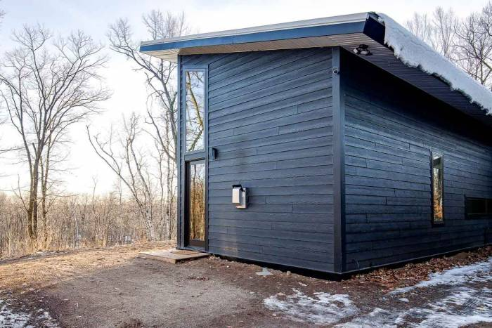 Exterior view of the off-grid cabin at Wattage Cottage
