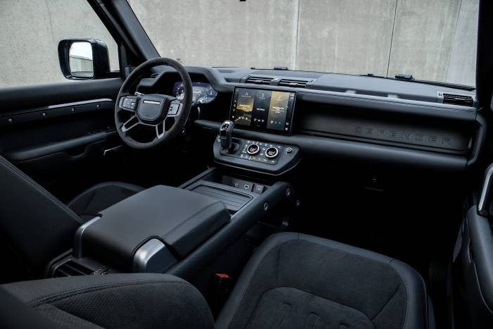 2022 Land Rover Defender V8 interior