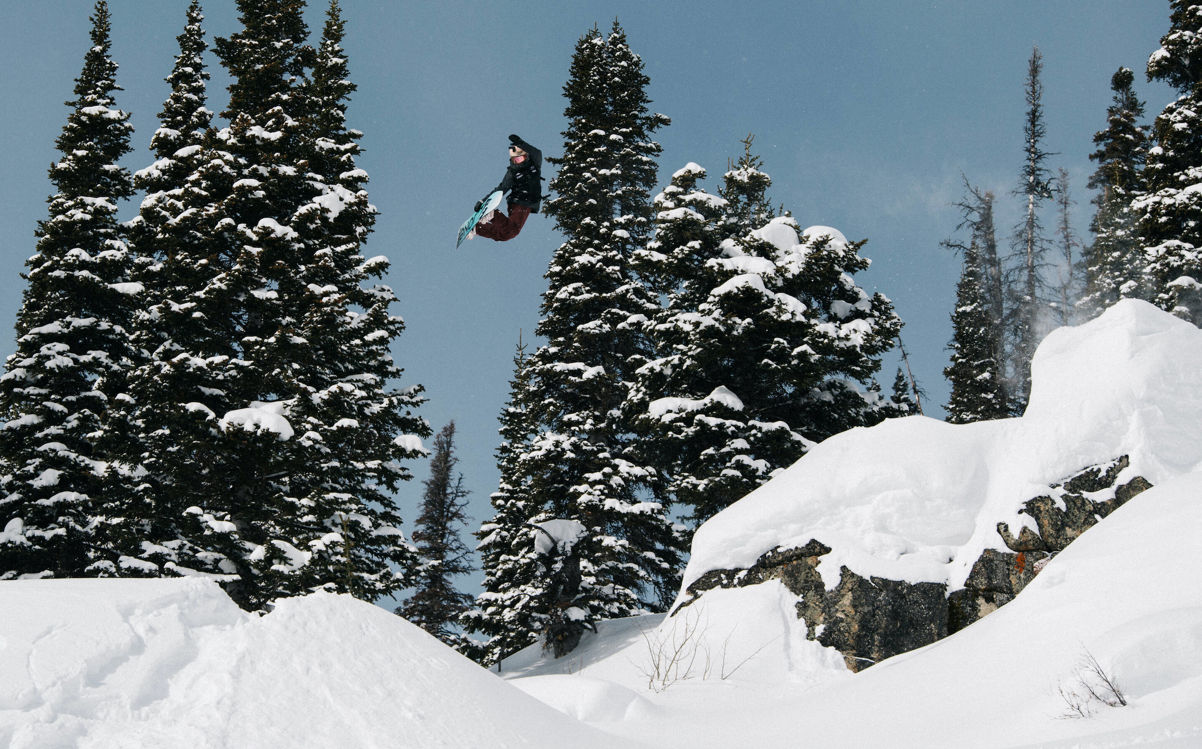 Elena Hight snowboarding