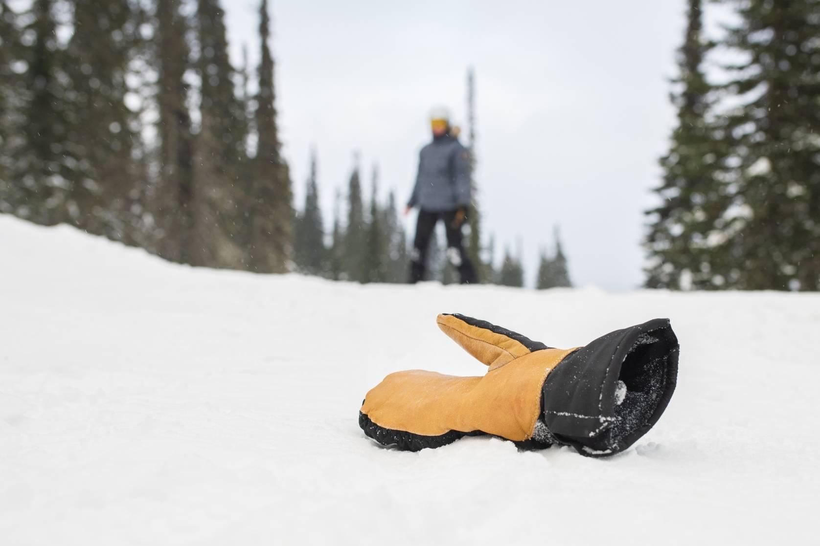 Skier lost mitten