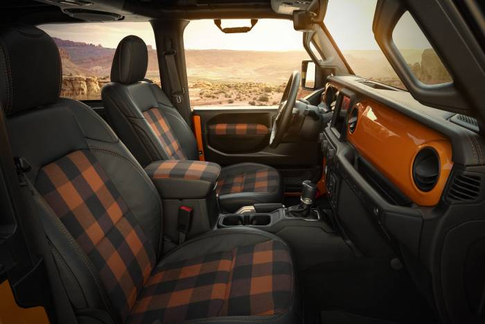 2021 Jeep Orange Peelz Concept interior