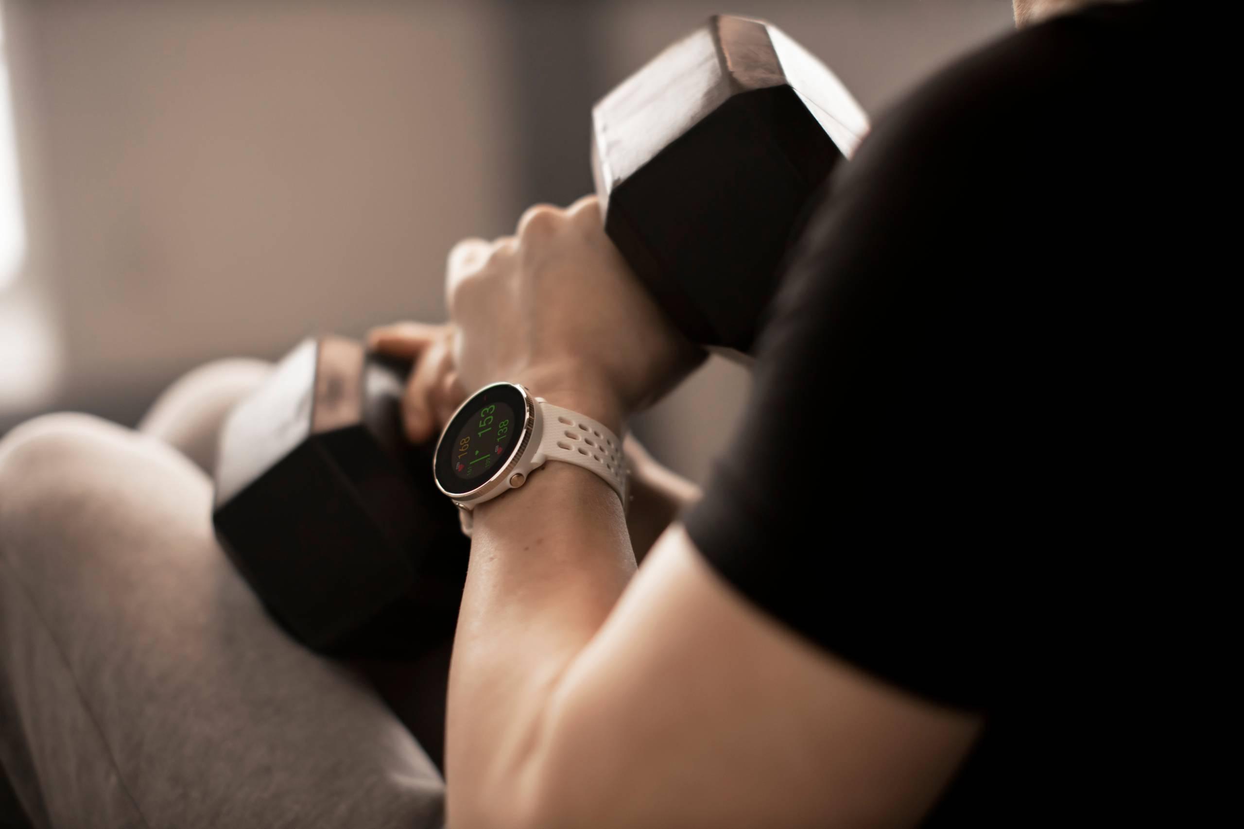 Polar Vantage M2 watch dumbell