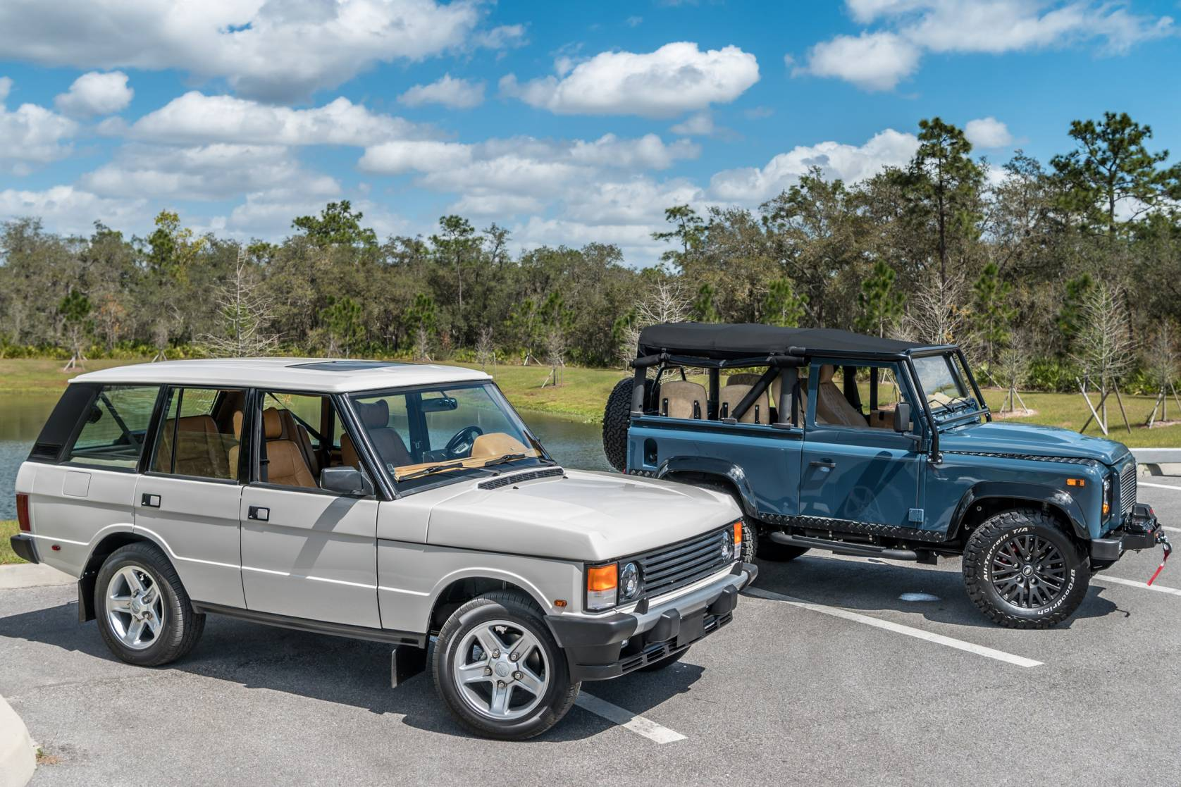 E.C.D. Electric Tesla Range Rover Classic Custom Land Rover Defender